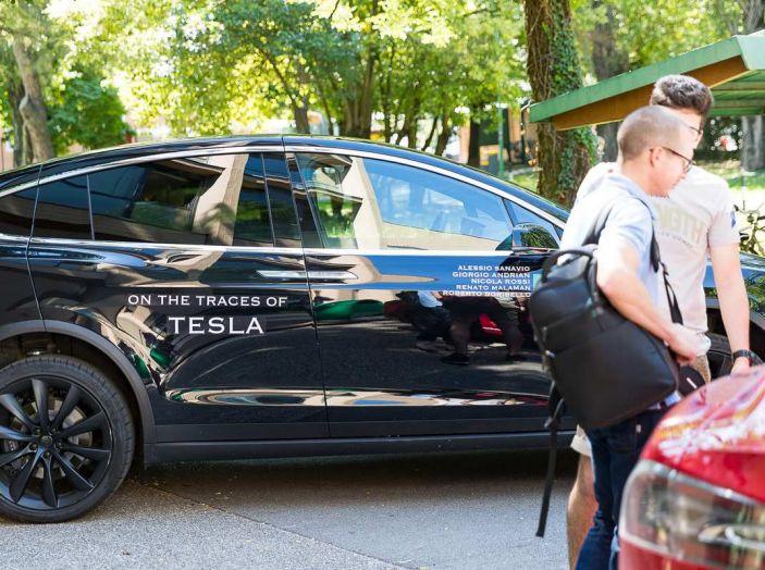 Tesla Model X prova su strada, autonomia, tempi di ricarica e optional - Foto 35 di 35