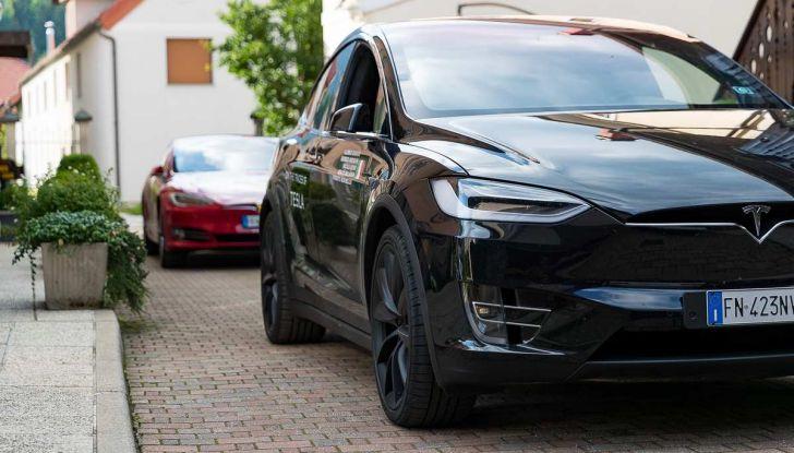 Tesla Model X prova su strada, autonomia, tempi di ricarica e optional - Foto 7 di 35