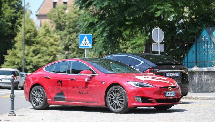Tesla Model X prova su strada, autonomia, tempi di ricarica e optional - Foto 10 di 35