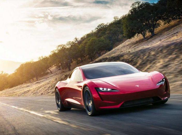 Tesla Roadster 2020 con speciale allestimento SpaceX Package - Foto 5 di 10