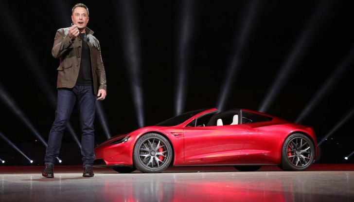 Tesla Roadster 2020 con speciale allestimento SpaceX Package - Foto 10 di 13