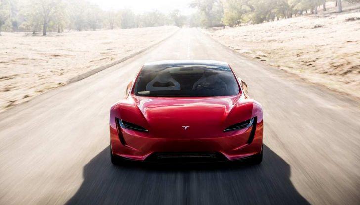 La Tesla Roadster 2 batte la Ferrari F1 2019 in una Drag Race al Sym - Foto 3 di 13