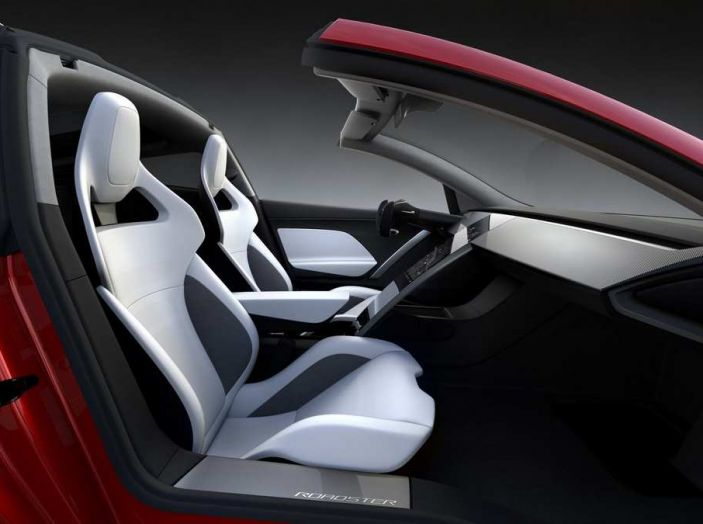 Tesla Roadster 2020 con speciale allestimento SpaceX Package - Foto 4 di 10