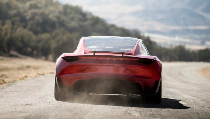 La Tesla Roadster 2 batte la Ferrari F1 2019 in una Drag Race al Sym - Foto 7 di 13