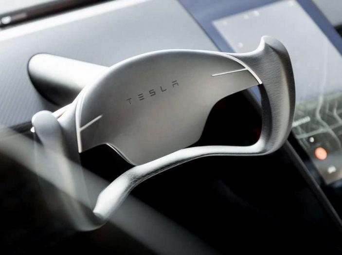 Tesla Roadster 2020 con speciale allestimento SpaceX Package - Foto 8 di 10