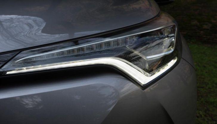 [VIDEO] Toyota C-HR 2018, La nostra prova dell'Hybrid SUV da 26Km/l - Foto 15 di 36