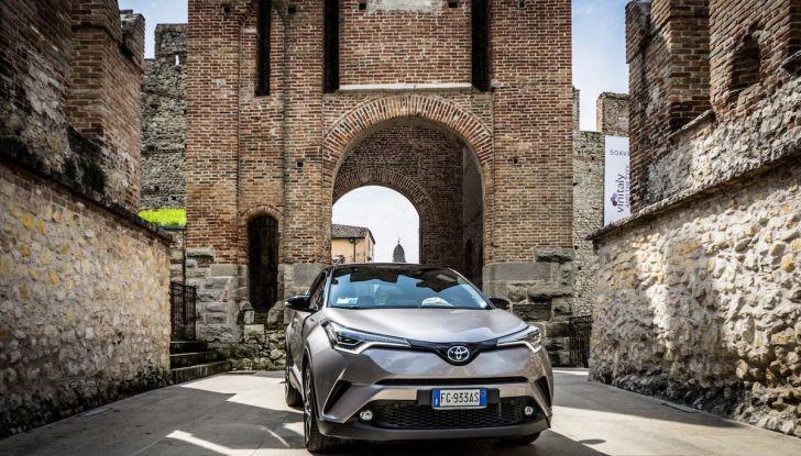 [VIDEO] Toyota C-HR 2018, La nostra prova dell'Hybrid SUV da 26Km/l - Foto 19 di 36