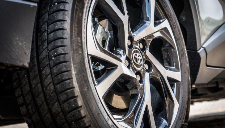 [VIDEO] Toyota C-HR 2018, La nostra prova dell'Hybrid SUV da 26Km/l - Foto 23 di 36
