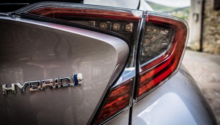 [VIDEO] Toyota C-HR 2018, La nostra prova dell'Hybrid SUV da 26Km/l - Foto 24 di 36