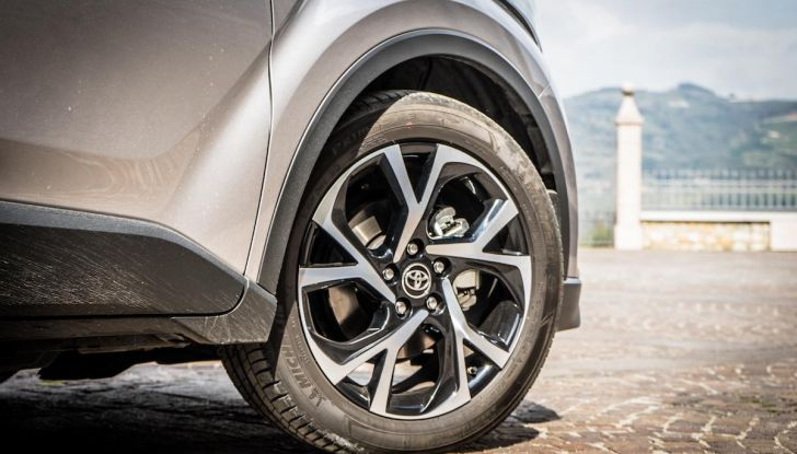 [VIDEO] Toyota C-HR 2018, La nostra prova dell'Hybrid SUV da 26Km/l - Foto 25 di 36