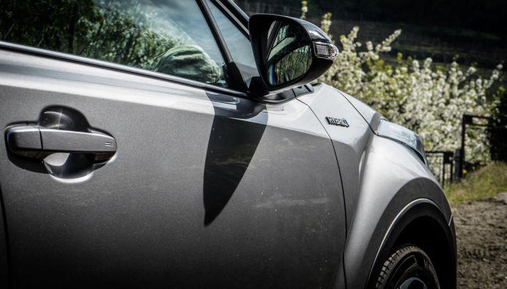 [VIDEO] Toyota C-HR 2018, La nostra prova dell'Hybrid SUV da 26Km/l - Foto 26 di 36