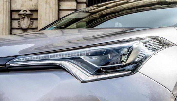 [VIDEO] Toyota C-HR 2018, La nostra prova dell'Hybrid SUV da 26Km/l - Foto 4 di 36