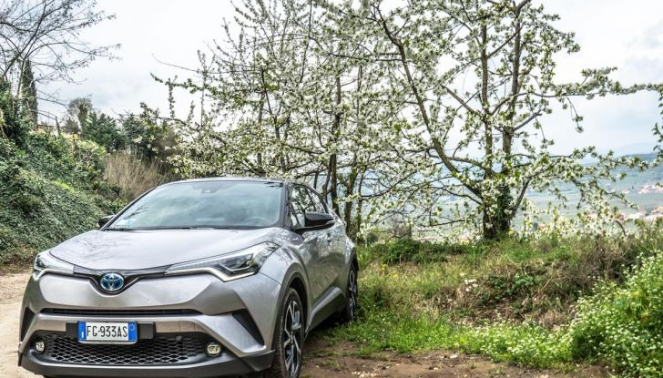[VIDEO] Toyota C-HR 2018, La nostra prova dell'Hybrid SUV da 26Km/l - Foto 31 di 36