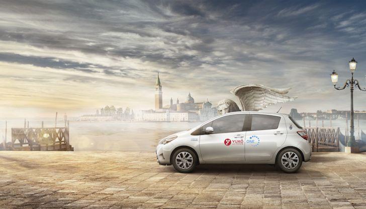 Toyota lancia YUKO, il Car Sharing ibrido a Venezia - Foto 1 di 10