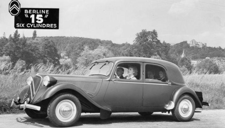 1934: André Citroën lancia la produzione in serie della Traction Avant - Foto 8 di 12