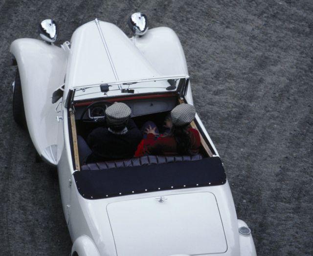 1934: André Citroën lancia la produzione in serie della Traction Avant - Foto 11 di 12