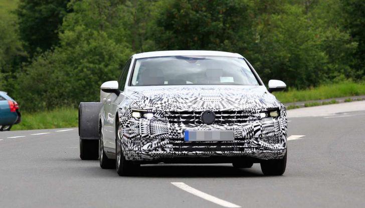 Volkswagen Passat Facelift 2019, nuovo design e motori - Foto 2 di 15