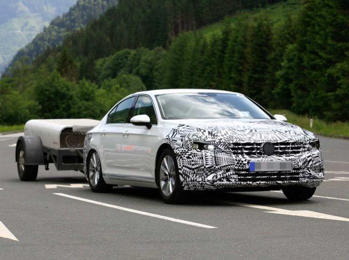 Volkswagen Passat Facelift 2019, nuovo design e motori - Foto 4 di 15