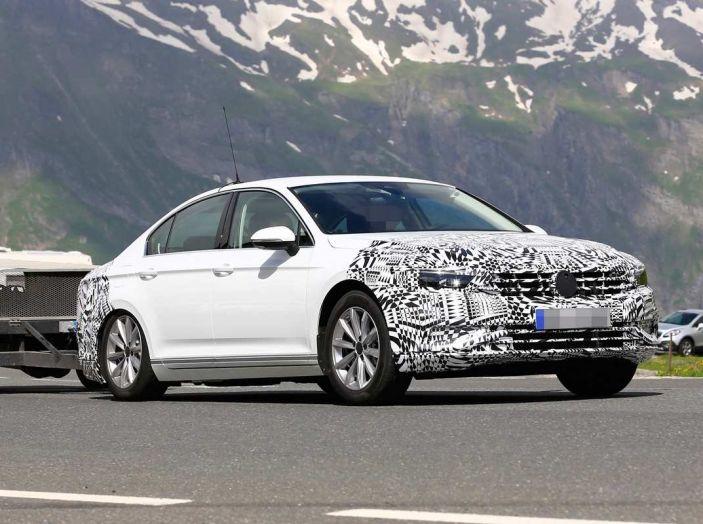 Volkswagen Passat Facelift 2019, nuovo design e motori - Foto 9 di 15