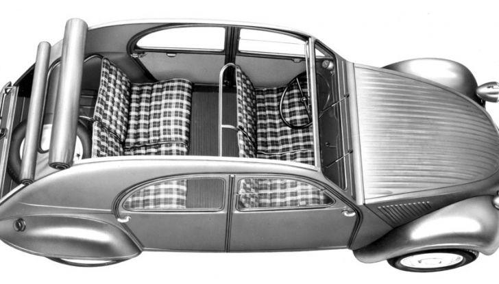 "Citroën 2 CV: La ""Toute Petite Voiture"" - Foto 2 di 14"