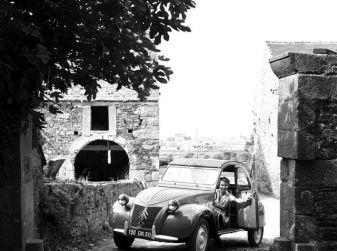 """Citroën 2 CV: La """"Toute Petite Voiture"""""""