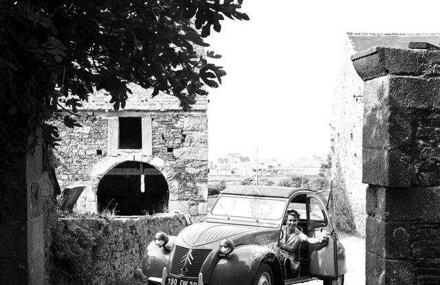 "Citroën 2 CV: La ""Toute Petite Voiture"" - Foto 1 di 14"