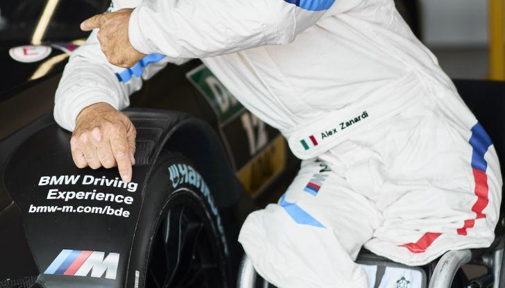 Alex Zanardi corre il DTM a Misano con BMW M4 senza usare le protesi - Foto 5 di 5
