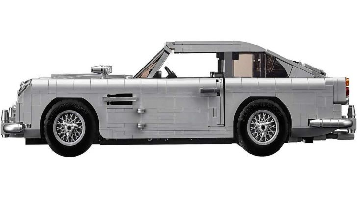 Aston Martin DB5 di James Bond diventa un set LEGO - Foto 12 di 15