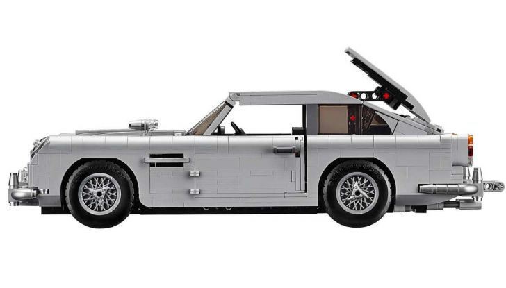 Aston Martin DB5 di James Bond diventa un set LEGO - Foto 13 di 15