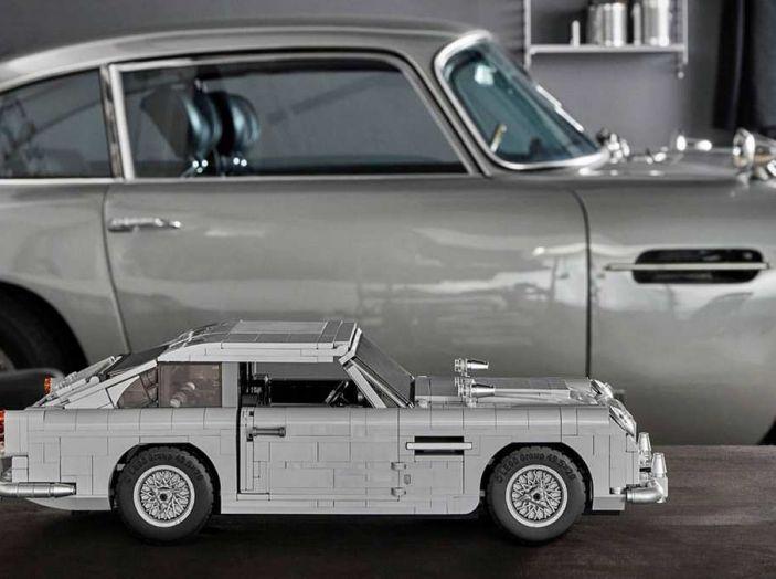 Aston Martin DB5 di James Bond diventa un set LEGO - Foto 14 di 15