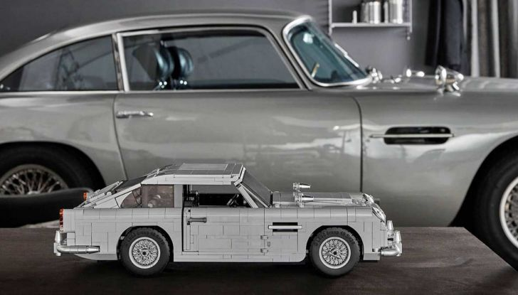 Aston Martin DB5 di James Bond diventa un set LEGO - Foto 14 di 15
