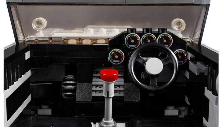 Aston Martin DB5 di James Bond diventa un set LEGO - Foto 5 di 15