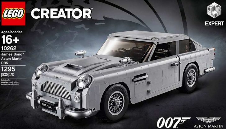 Aston Martin DB5 di James Bond diventa un set LEGO - Foto 2 di 15