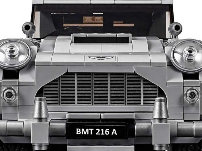 Aston Martin DB5 di James Bond diventa un set LEGO - Foto 9 di 15