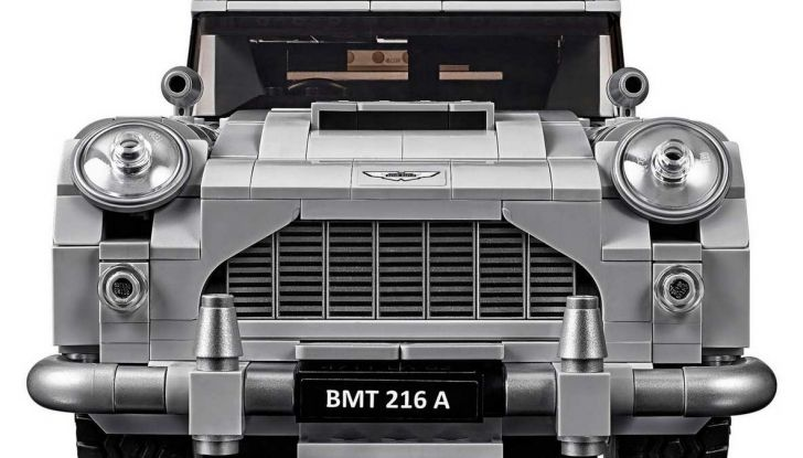 Aston Martin DB5 di James Bond diventa un set LEGO - Foto 9 di 15
