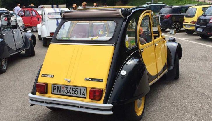 Citroen 2CV 70th Anniversary prova su strada e storia dell'auto - Foto 2 di 7