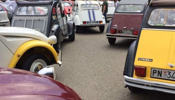 Citroen 2CV 70th Anniversary prova su strada e storia dell'auto - Foto 7 di 7