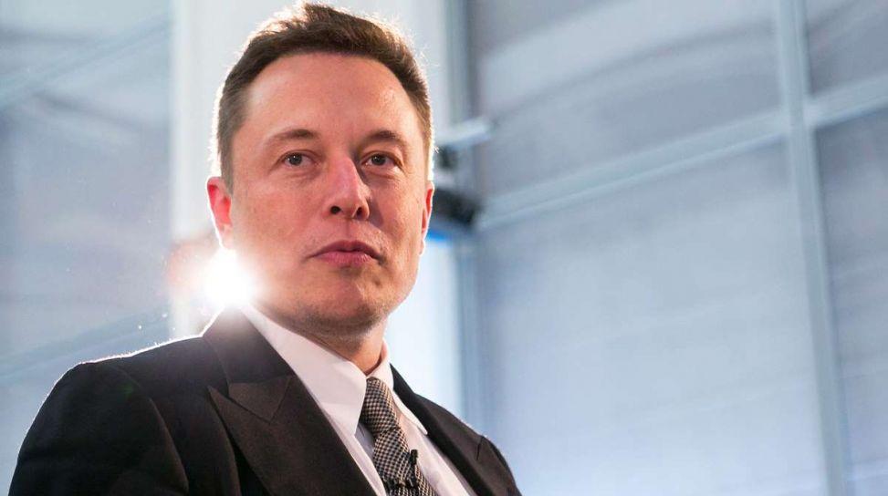 Elon Musk di Tesla, Entro un anno ci saranano un milione di vetture autonome