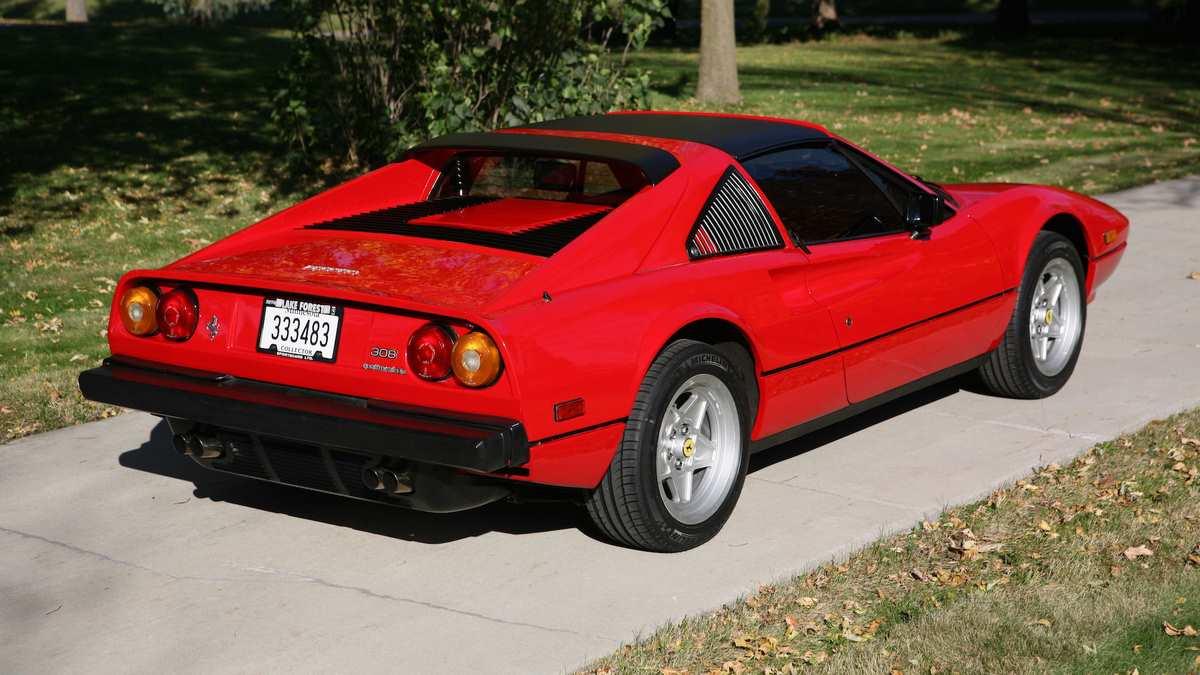 La Ferrari 308 GTS di Magnum P.I.: un'icona degli anni '80 ...