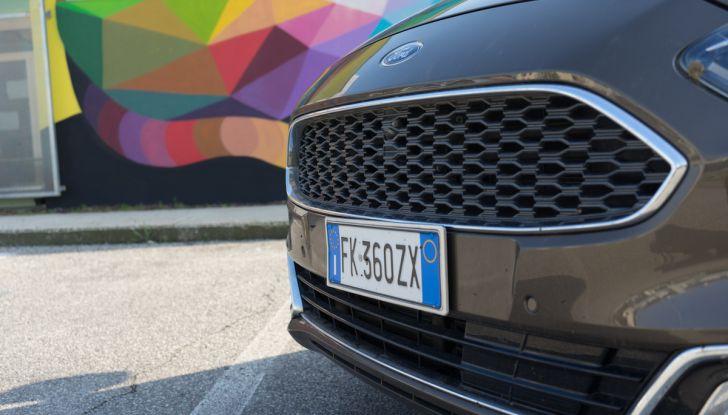 Ford S-Max Vignale, prova su strada: monovolume da 180CV e 7 posti - Foto 8 di 32