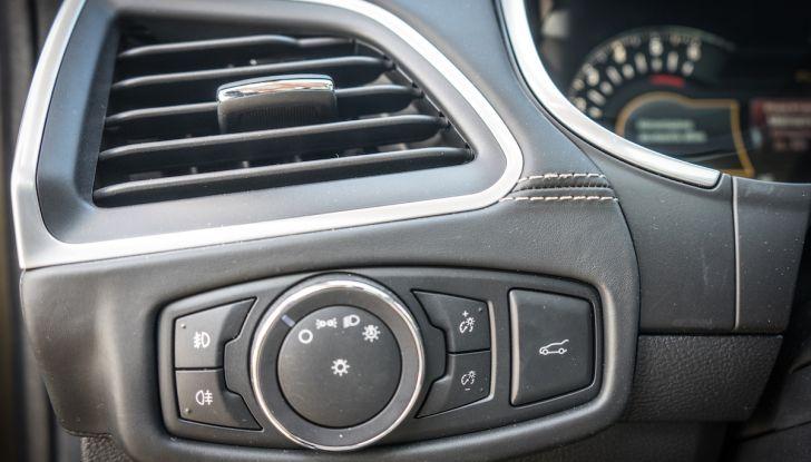 Ford S-Max Vignale, prova su strada: monovolume da 180CV e 7 posti - Foto 17 di 32