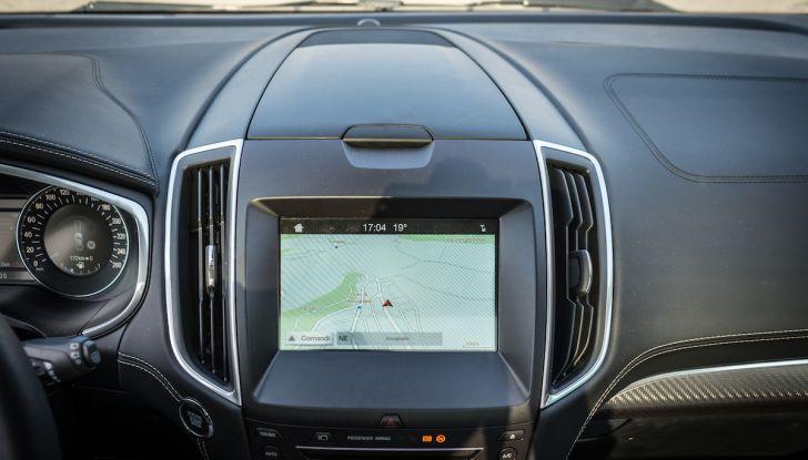 Ford S-Max Vignale, prova su strada: monovolume da 180CV e 7 posti - Foto 21 di 32