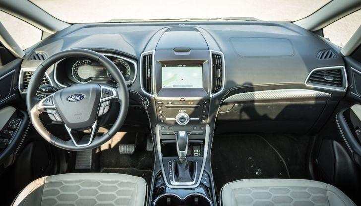 Ford S-Max Vignale, prova su strada: monovolume da 180CV e 7 posti - Foto 7 di 32