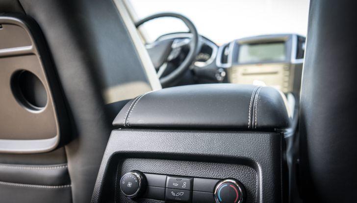Ford S-Max Vignale, prova su strada: monovolume da 180CV e 7 posti - Foto 23 di 32