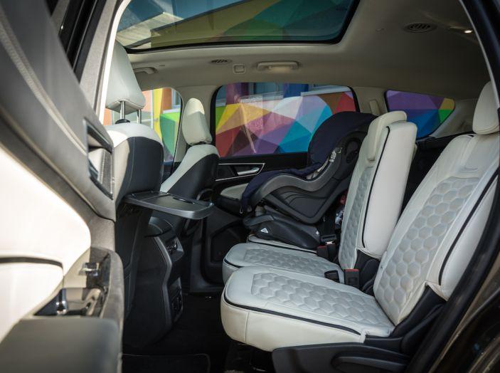 Ford S-Max Vignale, prova su strada: monovolume da 180CV e 7 posti - Foto 24 di 32