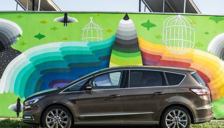 Ford S-Max Vignale, prova su strada: monovolume da 180CV e 7 posti - Foto 14 di 32