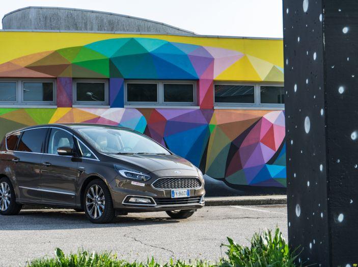 Ford S-Max Vignale, prova su strada: monovolume da 180CV e 7 posti - Foto 27 di 32