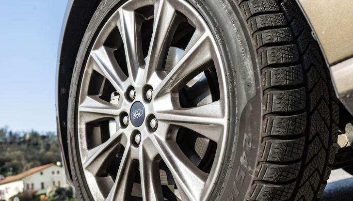 Ford S-Max Vignale, prova su strada: monovolume da 180CV e 7 posti - Foto 29 di 32