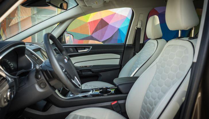 Ford S-Max Vignale, prova su strada: monovolume da 180CV e 7 posti - Foto 16 di 32