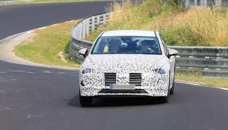 Nuova Hyundai i40 2020: berlina senza compromessi verso la guida autonoma - Foto 3 di 26
